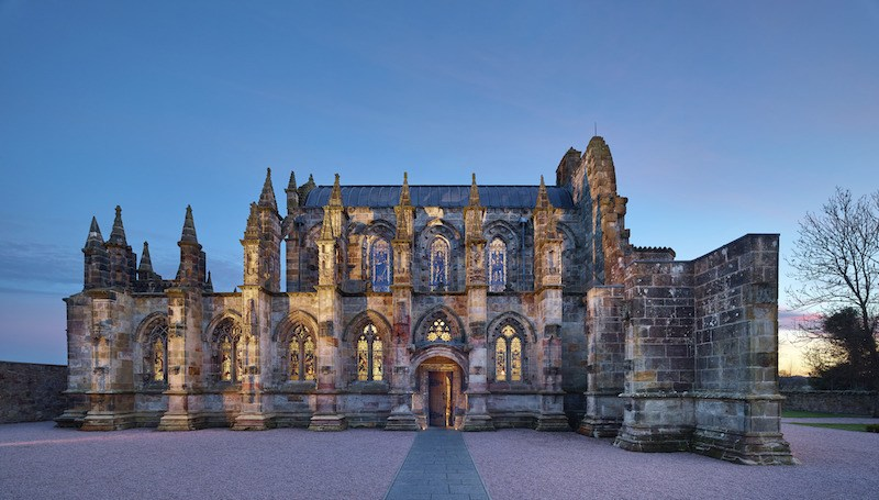 rosslyn chapel at night